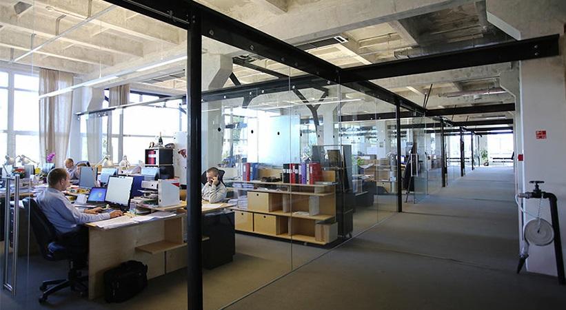 """Betono, plieno ir fasadinės stiklo konstrukcijos: """"UPB"""" stabiliai auga ir kiekvienais metais didina savo produktyvumą. Biuras"""